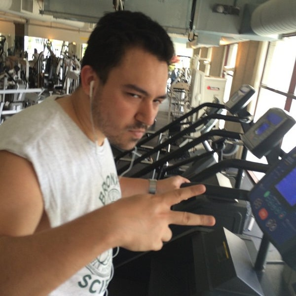 Photo taken at 24 Hour Fitness by Harlan C. on 6/29/2015