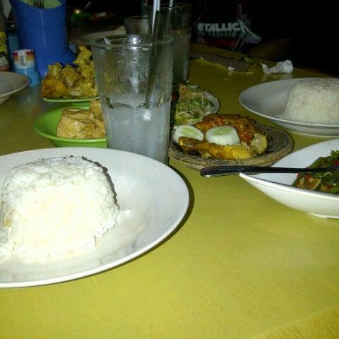 Photo taken at Pondok Laras by merry a. on 10/13/2012