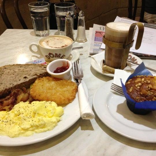 Photo taken at Dôme Café by Vic T. on 11/11/2012