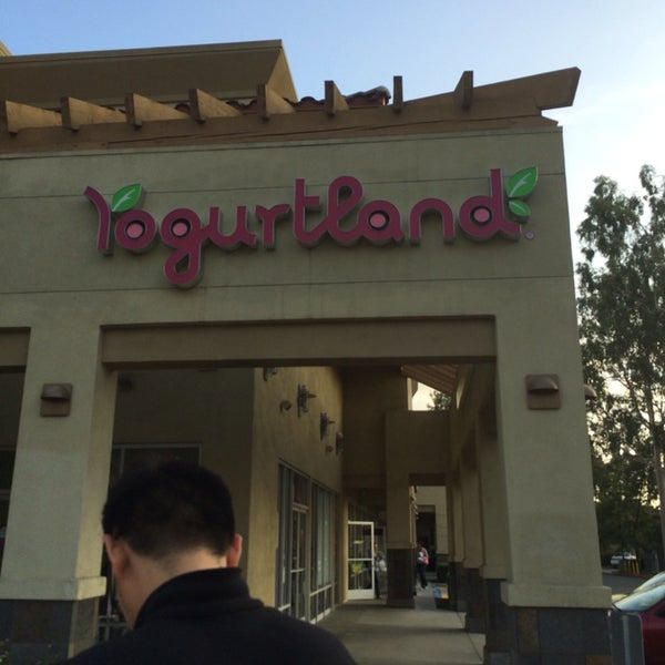 Photo taken at Yogurtland by Andrew T. on 11/4/2013