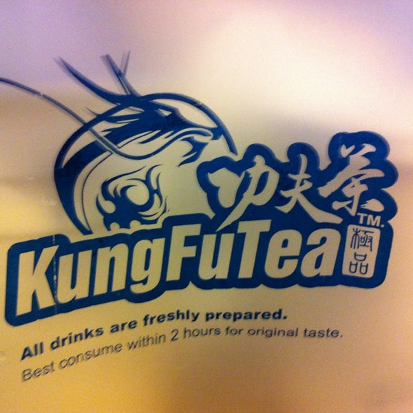 Photo taken at Kung Fu Tea 功夫茶 by Eddie L. on 1/8/2013