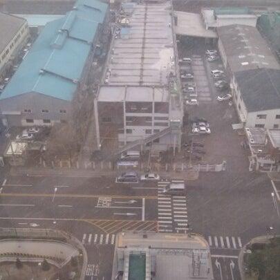 Photo taken at LG전자 가산 R&D 캠퍼스 (LG Electronics Gasan R&D Campus) by jaehun j. on 12/5/2012