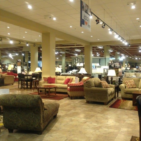 Ashley furniture home store tukwila wa for Furniture tukwila wa