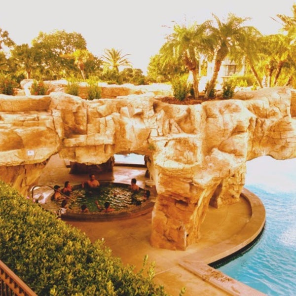 Photo taken at Marriott World Center Pool by Núbia O. on 12/4/2015