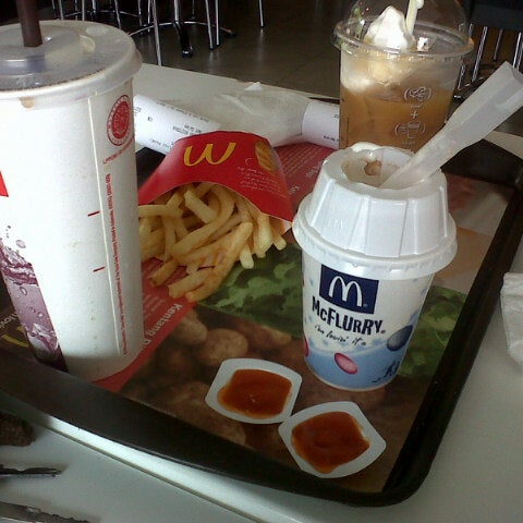 Photo taken at McDonald's by alditsa .. on 4/20/2014