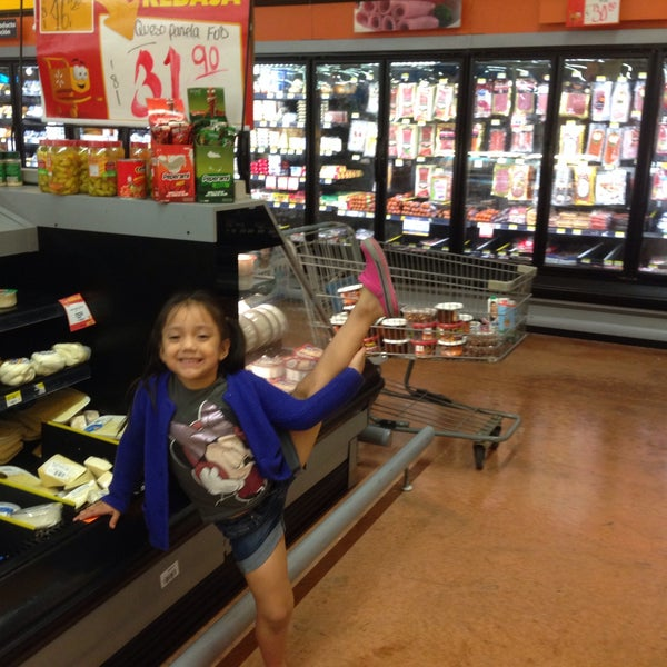 Photo taken at Walmart by Fabio Anibal G. on 2/3/2015