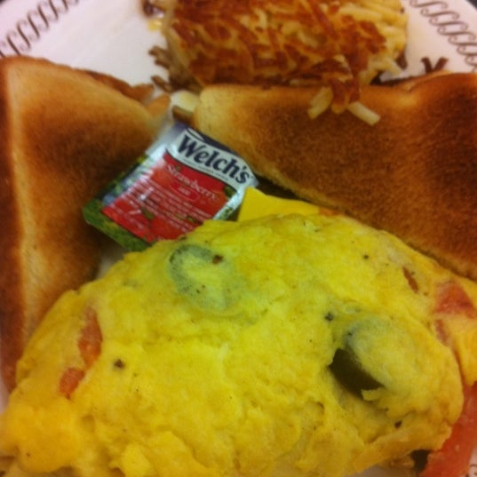 Photo taken at Waffle House by 30AEATS.com on 8/20/2012