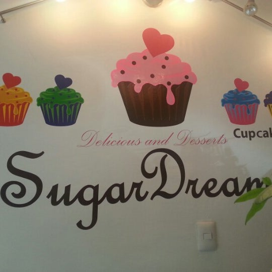 Photo taken at Sugar Dreams by DIEGO S. on 10/20/2012
