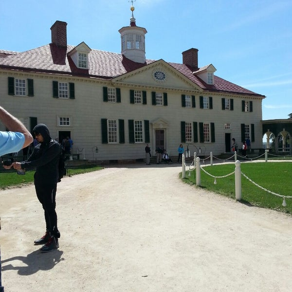 Photo taken at George Washington's Mount Vernon Estate, Museum & Gardens by van b. on 4/12/2014