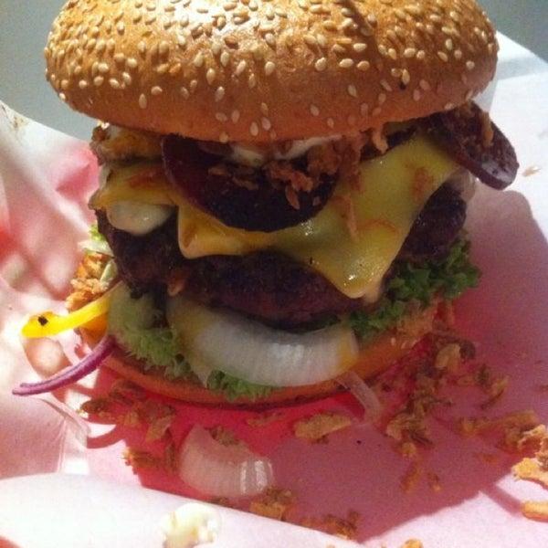 lily burger graefekiez berlin. Black Bedroom Furniture Sets. Home Design Ideas