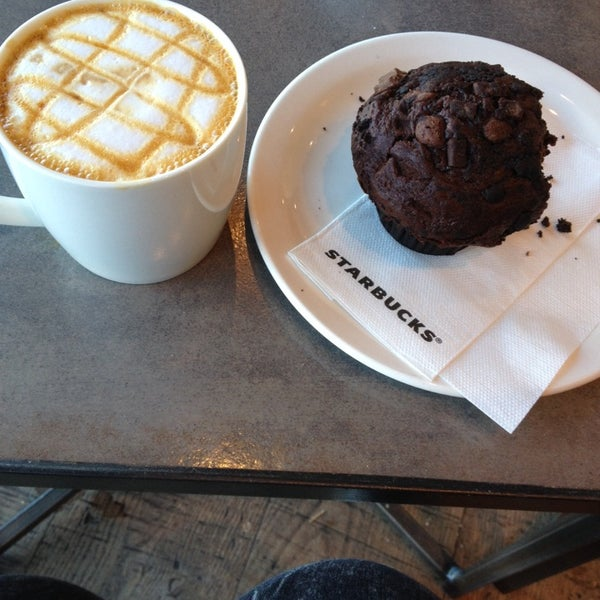 Photo taken at Starbucks by Freya R. on 4/8/2014