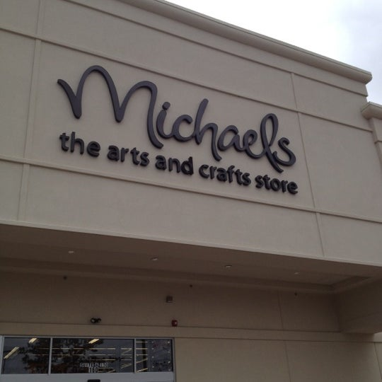 Michaels arts crafts store in lisbon for Michaels craft store houston texas