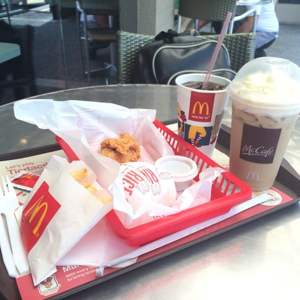 Photo taken at McDonald's by Phao G. on 3/21/2016