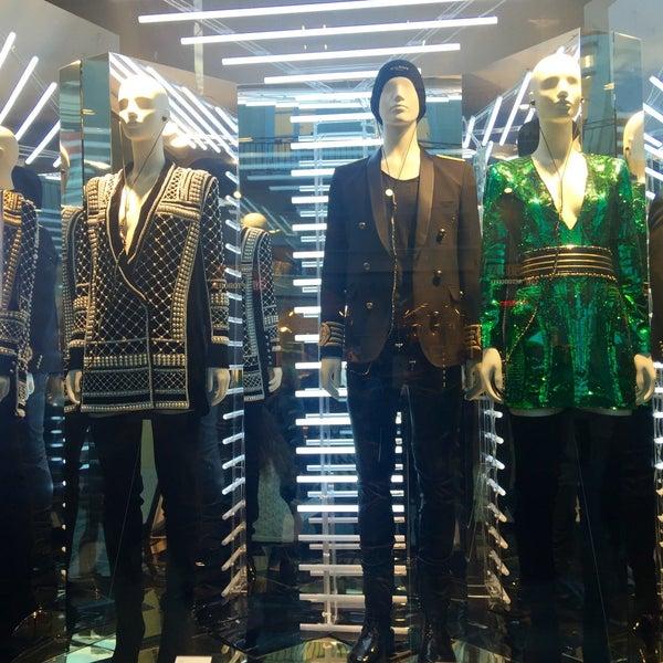 Photo taken at H&M by Elenitsab on 11/3/2015