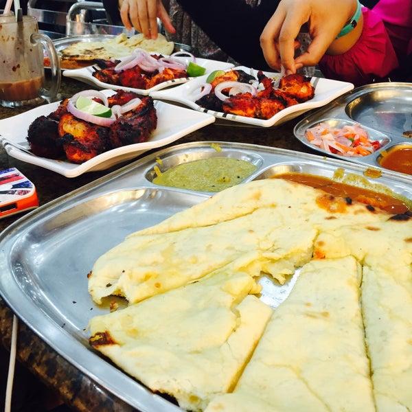 Photo taken at Restoran Al-Naz Maju by Faeqa Adilah on 11/27/2015