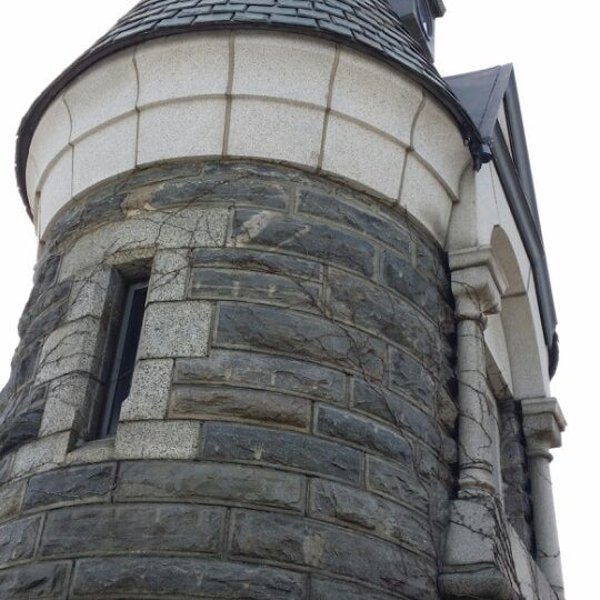 Photo taken at Belvedere Castle by Areej on 3/6/2014