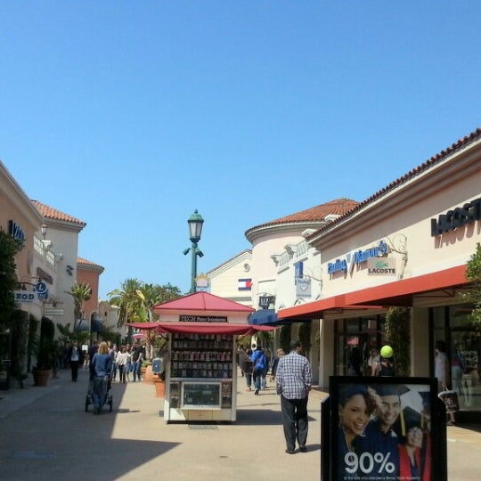 Photo taken at Carlsbad Premium Outlets by Kazuo I. on 3/22/2013