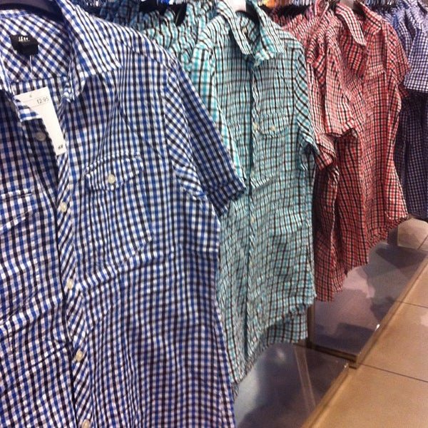 Photo taken at H&M by Gilbert L. on 5/18/2012