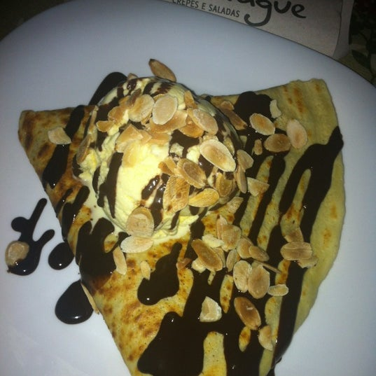 Photo taken at Bercy Village - Crepes e Saladas by NandoFreitas on 5/9/2012