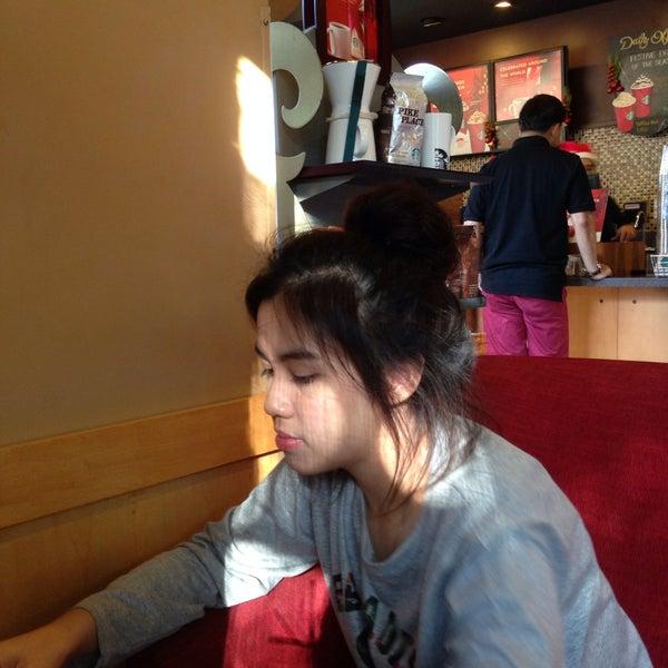 Photo taken at Starbucks (สตาร์บัคส์) by Kade A. on 1/1/2015