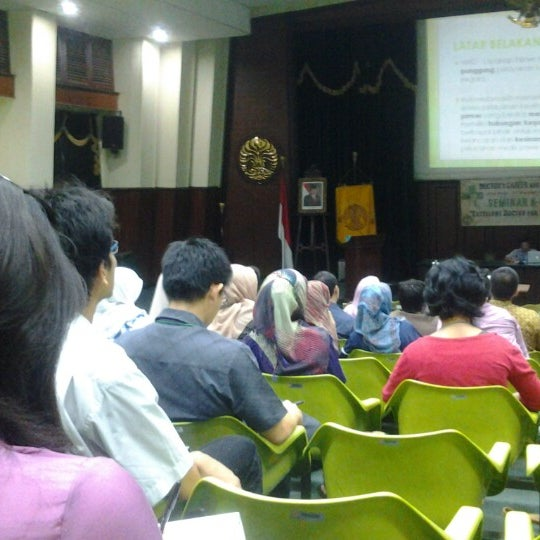 Photo taken at Fakultas Kedokteran Universitas Indonesia by Alex S. on 11/4/2012