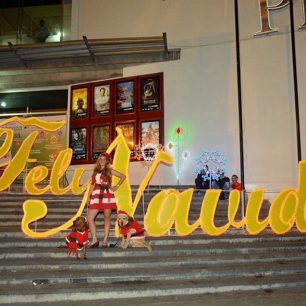 Photo taken at Centro Comercial Cable Plaza by AZUL & CHOKOLATTE D. on 12/30/2015
