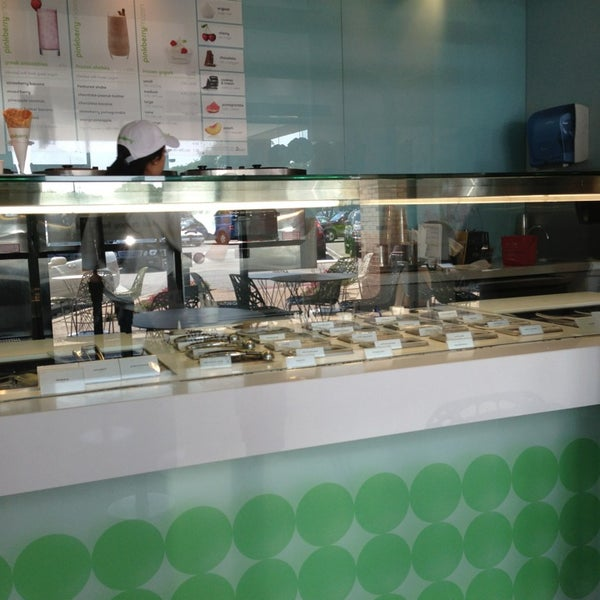 Photo taken at Pinkberry by Andy V. on 7/4/2013