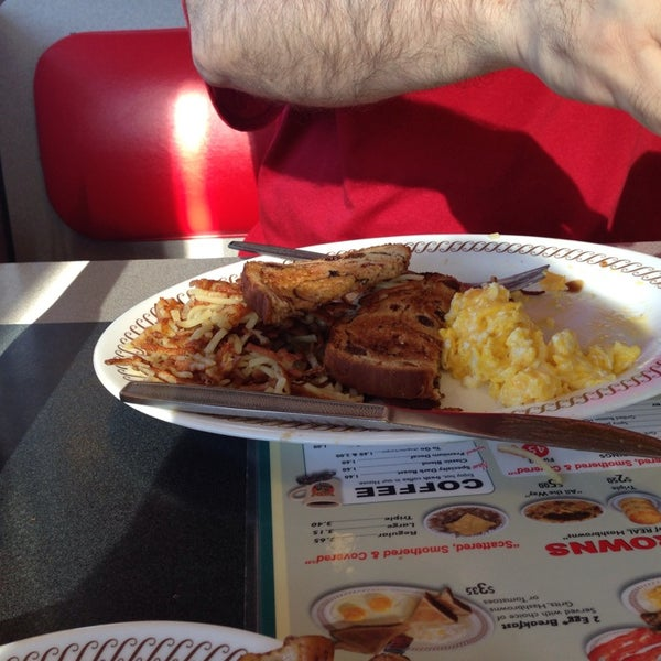 Photo taken at Waffle House by Sharon S. on 4/26/2014