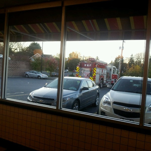 Photo taken at Waffle House by Jimmy E. on 10/20/2013