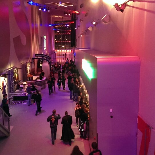 Photo taken at Heineken Music Hall by Harold L. on 11/3/2013