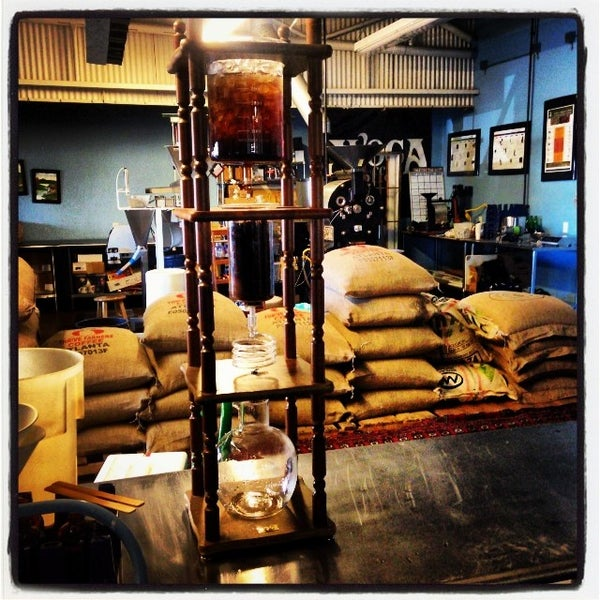 Photo taken at Avoca Coffee by Jimmy S. on 11/27/2013