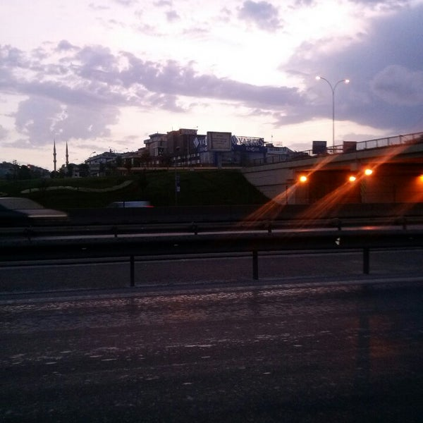 Photo taken at E-5 Göztepe Köprüsü by Gokhan K. on 6/28/2014