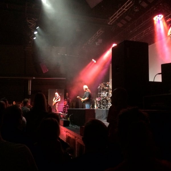 Awesome concert with joe satriani.