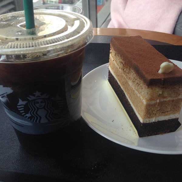 Photo taken at Starbucks by Hyejin P. on 11/8/2014