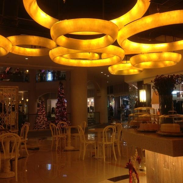 Photo taken at Brida by Raissa L. on 12/29/2012