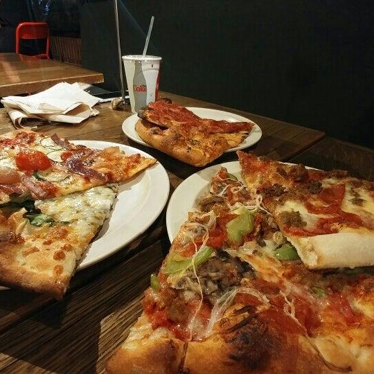 Photo taken at Regents Pizzeria by Heyn S. on 7/20/2016
