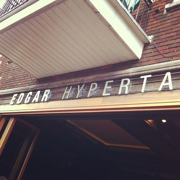 Photo taken at Edgar Hypertaverne by Damien G. on 4/30/2013