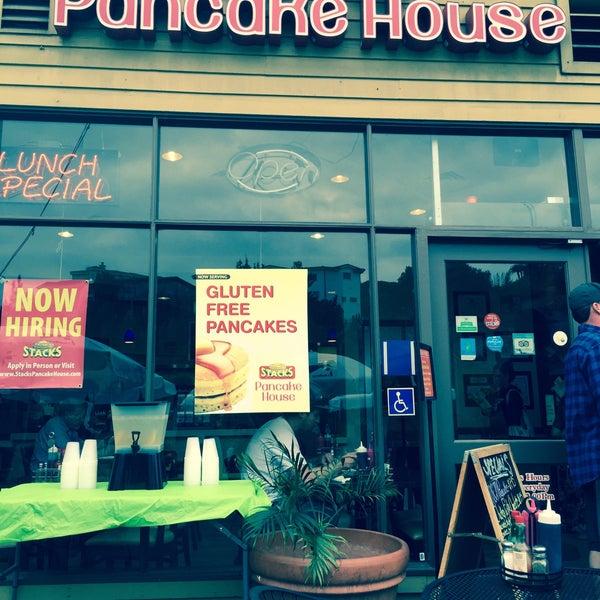 Photo taken at Stacks Pancake House by Aileen B. on 8/8/2015