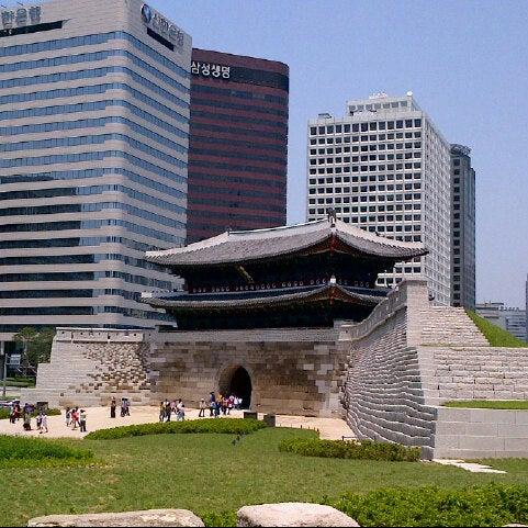 Photo taken at 숭례문 (崇禮門, Sungnyemun) by Youjin S. on 6/2/2013