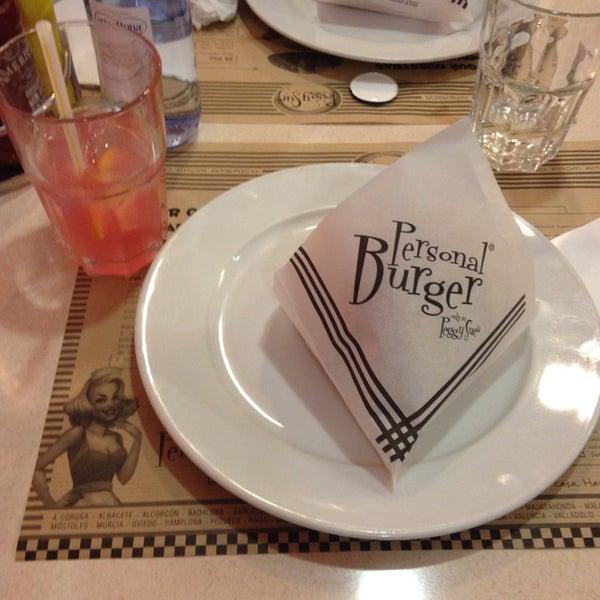 Entre semana genial para comer una buena hamburguesa y pink lemonade!