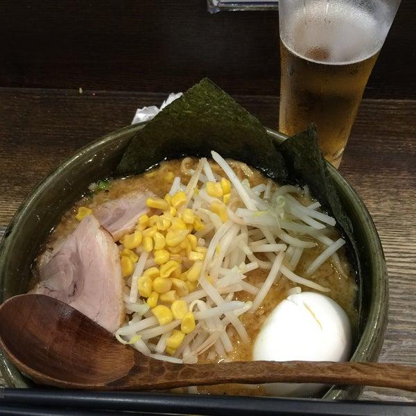 Photo taken at らーめんダイニング ど・みそ by 쥬⭐︎ on 7/12/2015