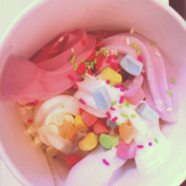 Photo taken at Yogurtland by Shanelle U. on 3/30/2013