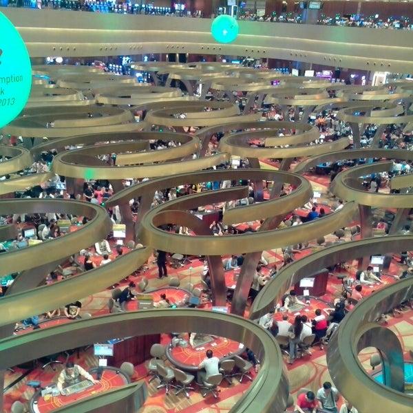 Photo taken at Marina Bay Sands Casino by Warawut M. on 6/21/2013