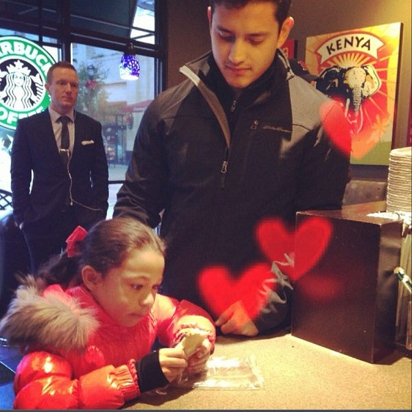 Photo taken at Starbucks by 💜Jane B. on 11/23/2013