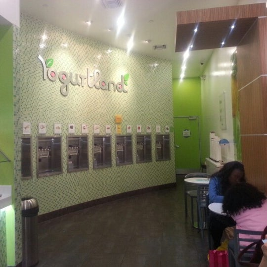 Photo taken at Yogurtland by Jenny L. on 2/10/2013