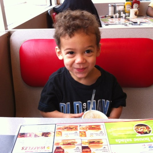 Photo taken at Waffle House by Jason P. on 4/6/2012