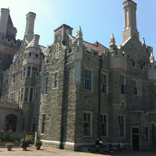 Photo taken at Casa Loma by Danny U. on 8/13/2012