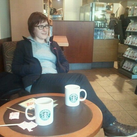 Photo taken at Starbucks by Jurgen K. on 2/25/2012