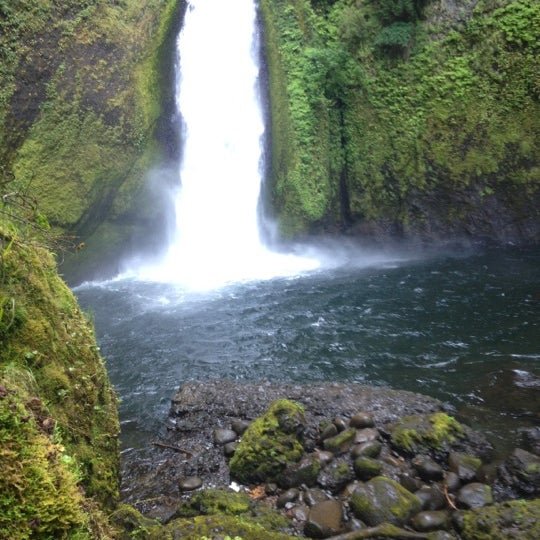 Photo taken at Wahclella Falls Trailhead by Coral on 7/6/2012