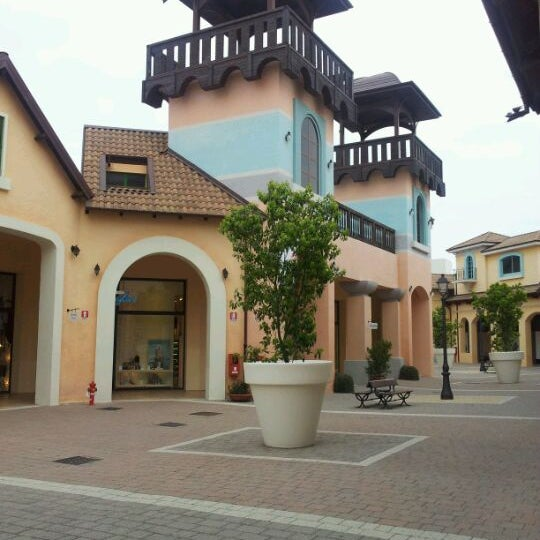 Photo taken at Fashion District - Molfetta Outlet by Francesco L. on 4/1/2012